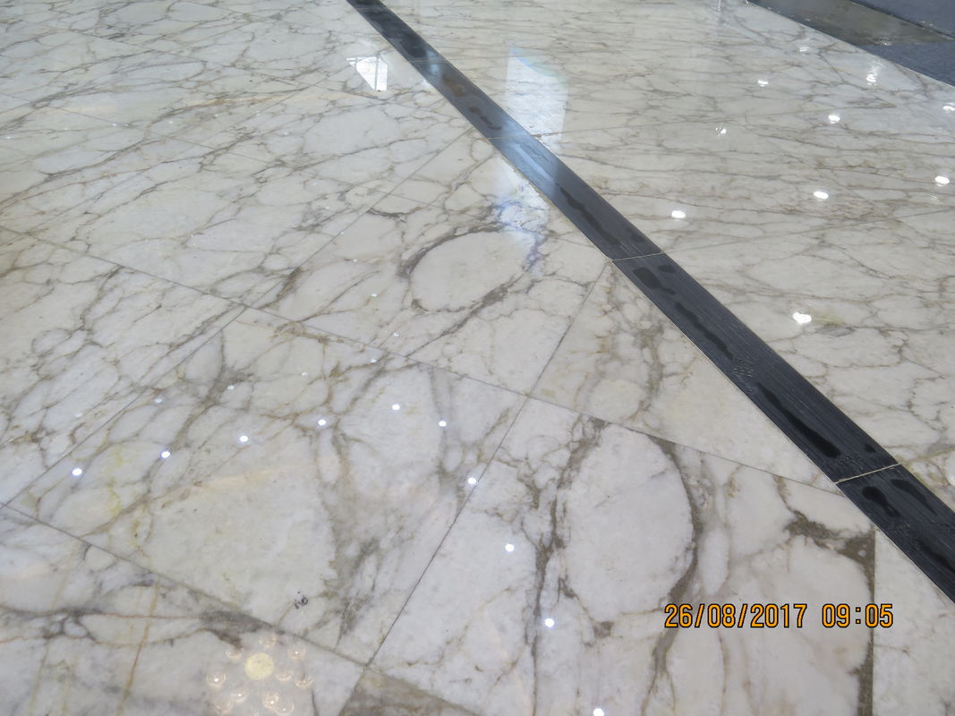 Beautiful White Color Natural Marble Floor Tile 1.8 Cm Thickness Big Slab